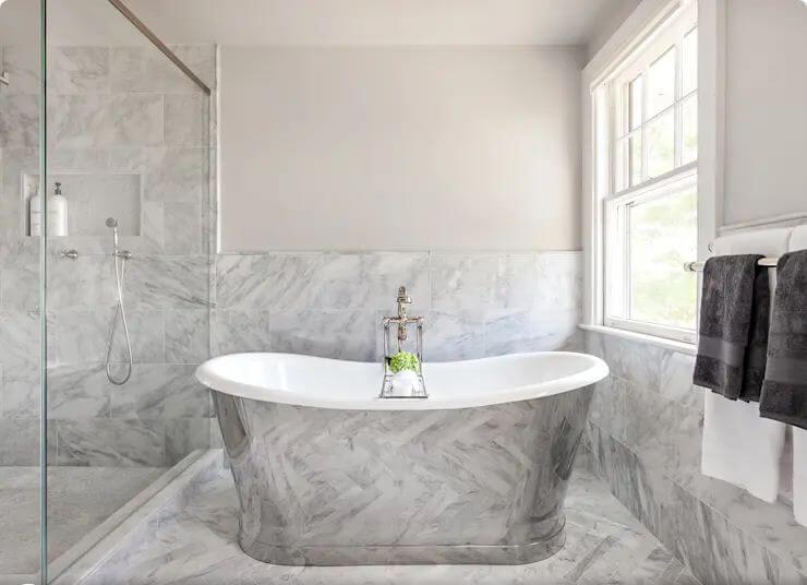 Bồn tắm có họa tiết Marble tạo ấn tượng mạnh mẽ cho cho khách hàng