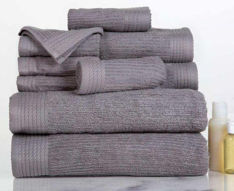 Chất liệu khăn nên ưu tiên sử dụng bằng cotton 100% mang đến cảm giác thoải mái nhất khi sử dụng