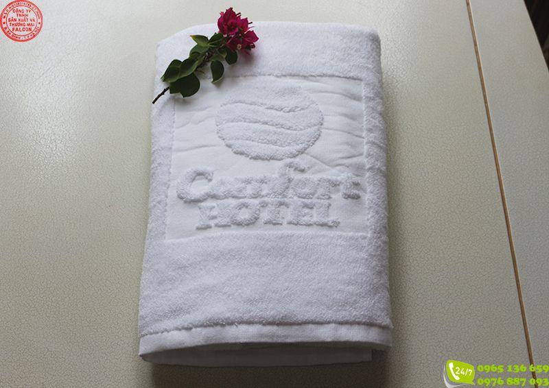 In logo lên khăn khách sạn