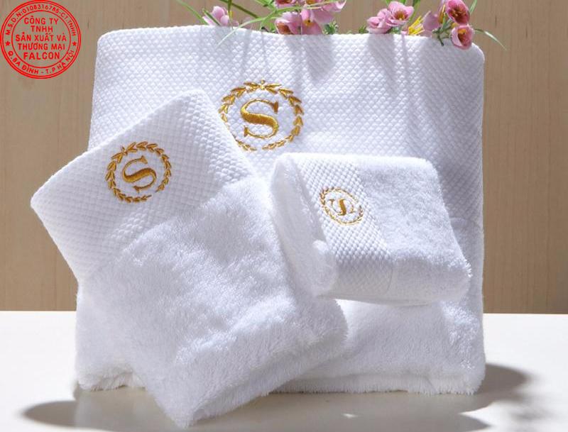 Khăn tắm khách sạn cao cấp in thêu logo theo yêu cầu