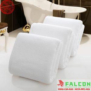 Khăn tắm trắng khách sạn