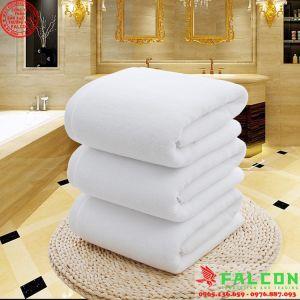 Khăn trắng khách sạn